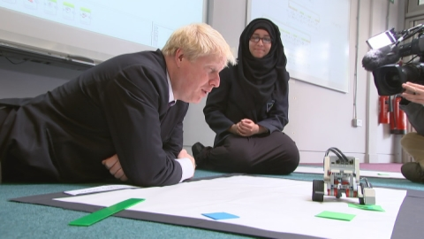 Boris Johnson attends coding class