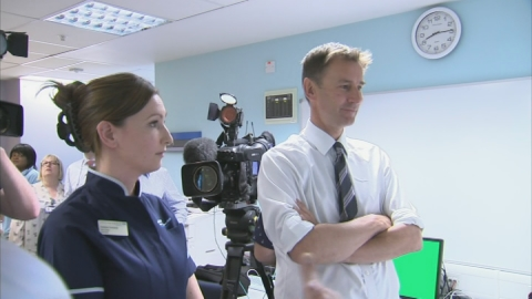 Hunt: All hospital patients to have 'named doctor'