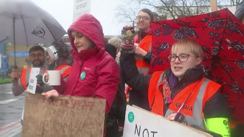 Junior doctors defy Sandwell Hospital's order to work