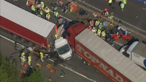 Motorway pile-up on M26 leaves travellers trapped