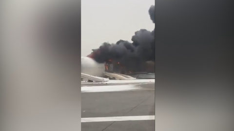 Airplane crash-lands at Dubai Airport