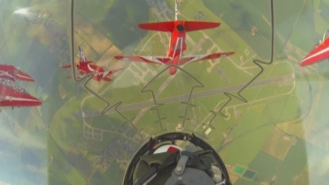 Amazing cockpit view of Red Arrows display