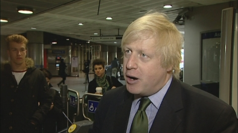 Boris Johnson apologises for tube strike disruption