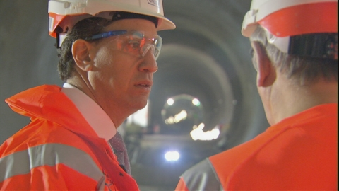 Miliband pledges to boost engineers numbers