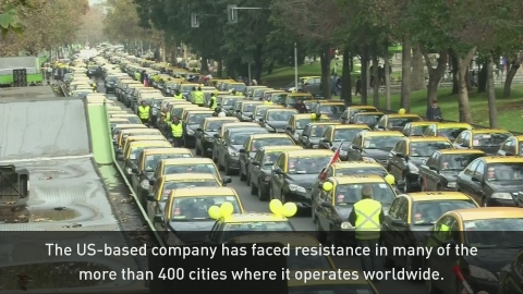 Chilean cabbies block traffic in protest against Uber