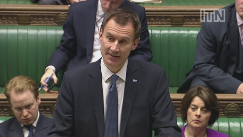 Hunt announces imposition of new junior doctors' contract