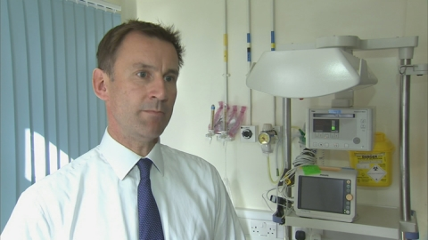 Jeremy Hunt praises Ebola volunteers